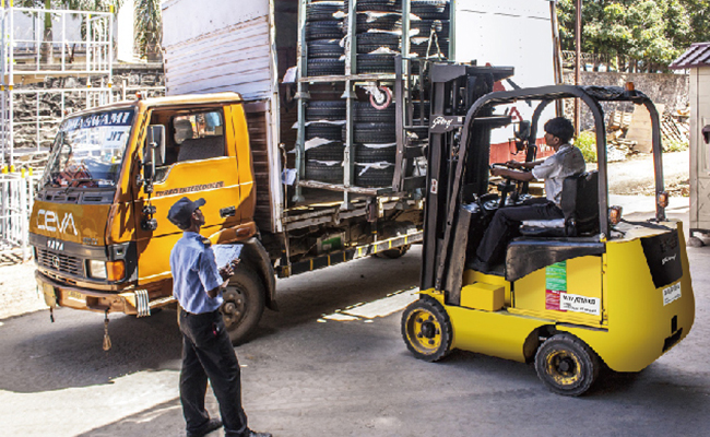 Sicherheitskamera Überwacht Materiallieferung