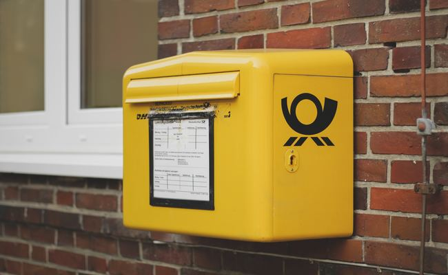 Use a Mailbpx with Lock to Prevent Neighbor from Stealing Your Mails