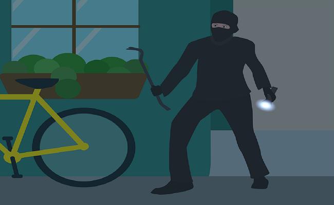 Einbrecher angreifen