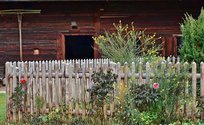 Zäune für Garten installieren