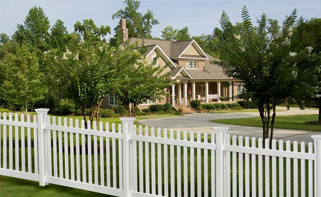 Fence Helps Keep Kids out of Your Property